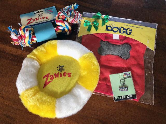 Dog costume contest prizes